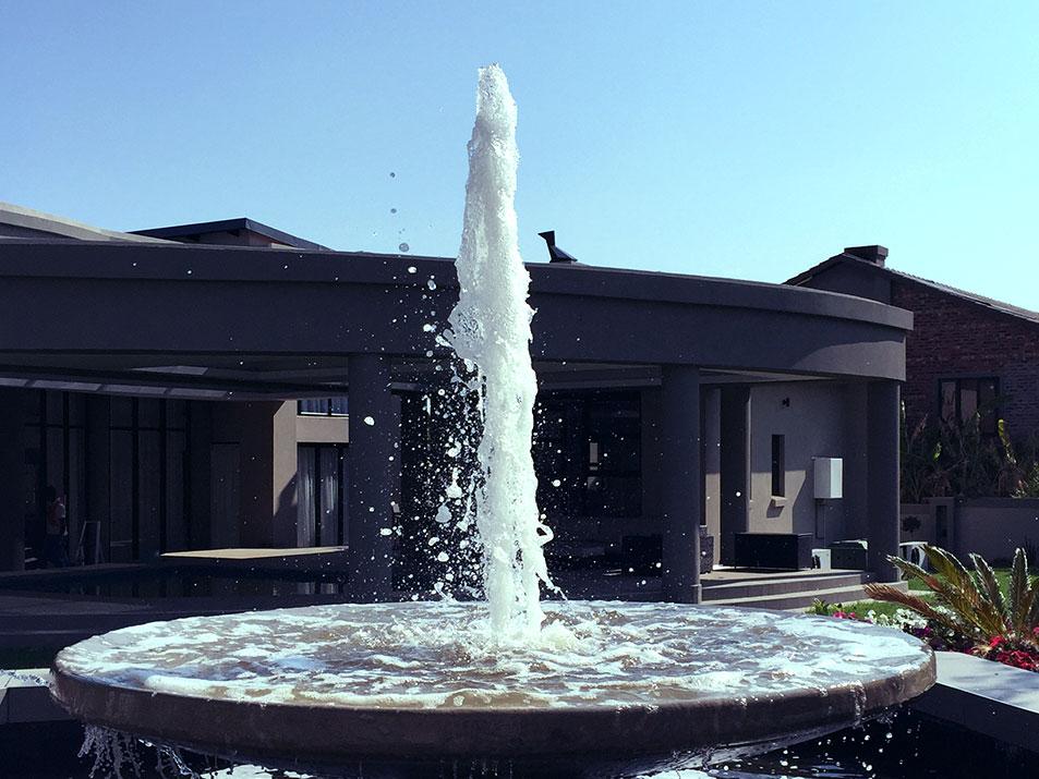 Classic Fountain Small