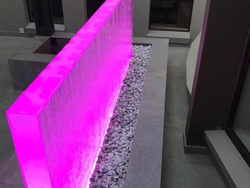 Bubble wall pink LED