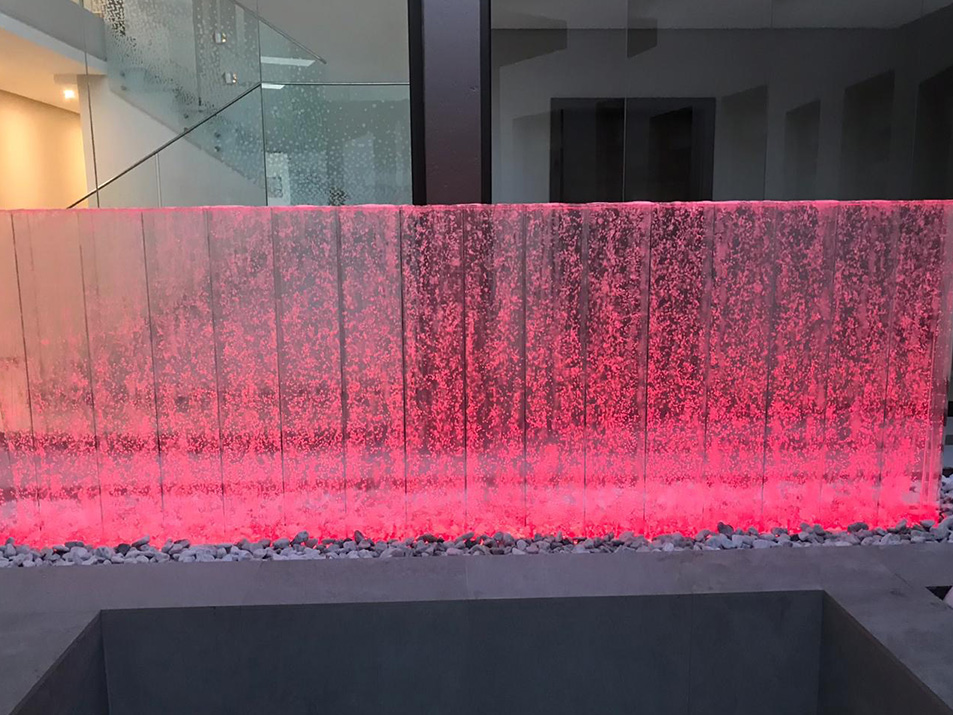 Bubble wall red LED